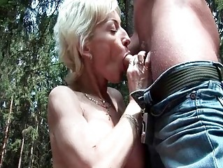 50yo granny getting fucked by young stud outdoor