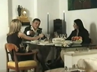 Couple invites a shemale for dinner
