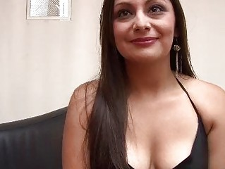 Sexy latin milf lerning to be porn star