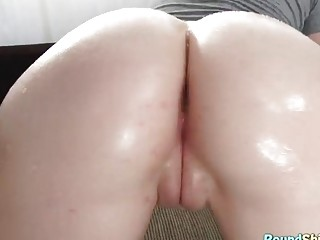 Blonde Has Gaped Pussy Licked
