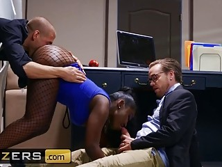 Ebony MILF spitroasted with two white cocks in a threesome
